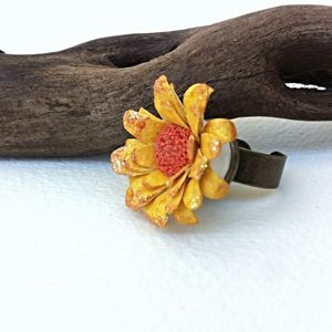 Chunky Flower Ring in Yellow