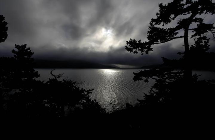 Black & White Sunrise - Chelsea Moudry Photography