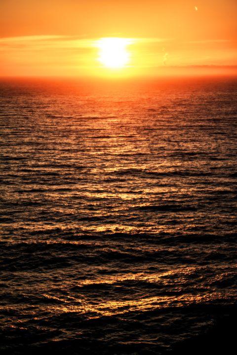 Golden ocean sunset - Jesse Redheart