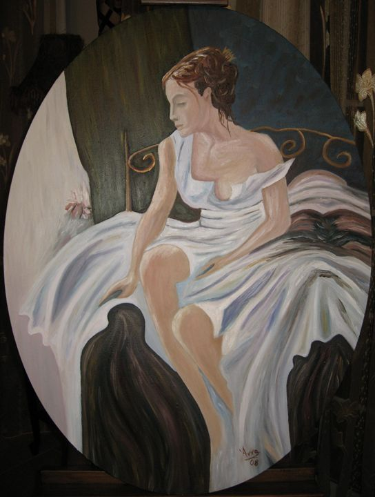 LADY SITTING ON THE BED - ATELIER VENEZIA