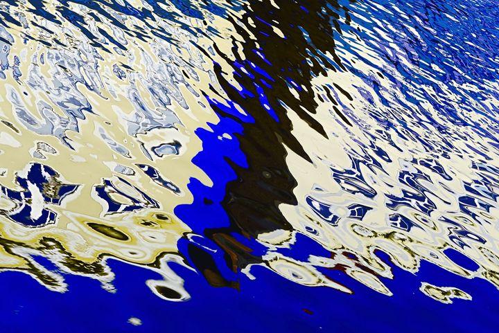 Blue reflection - Moise Levi Photography