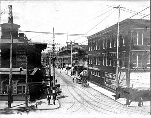 Looking west up 9th Street 1902