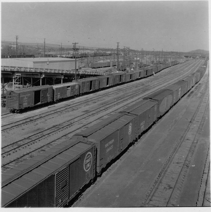 DeButts Rail Yard in 1950 - Historic Chattanooga