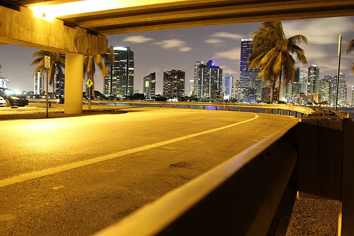 Follow the yellow brick road - Miami