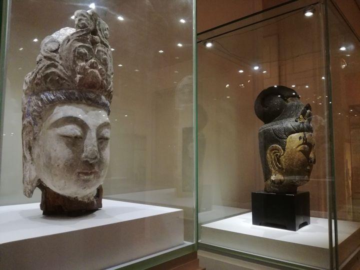 Buddha's heads - Danciatko
