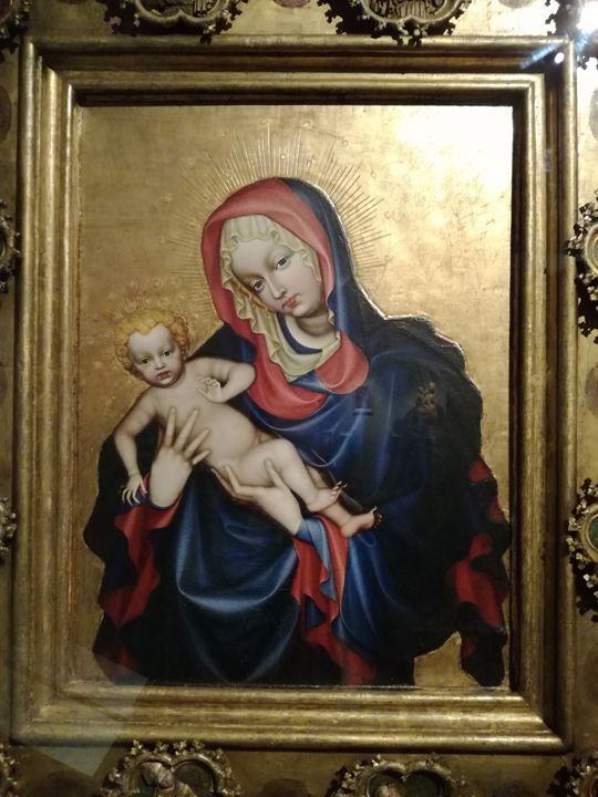 Virgin Mary and baby Jesus - Danciatko