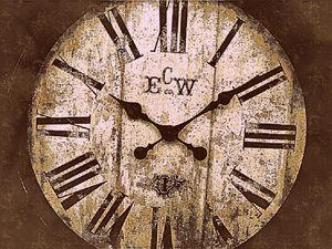 Antique looking clock 2