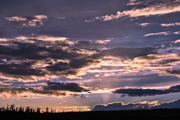 Sunset Skies - Mistyck Moon Creations Gallery