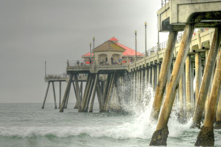 Overcast Huntington Pier - Omura Photo Gallery