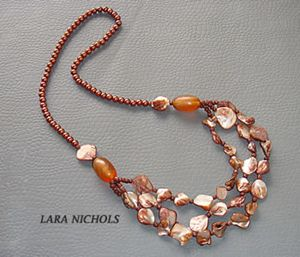 Shell & glass beads necklace