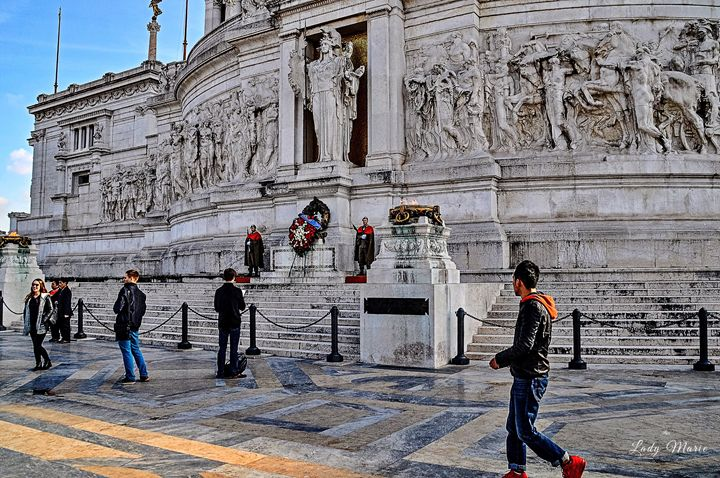 TOMB OF UNKNOWN SOLDIER- ROME - Lady Marie
