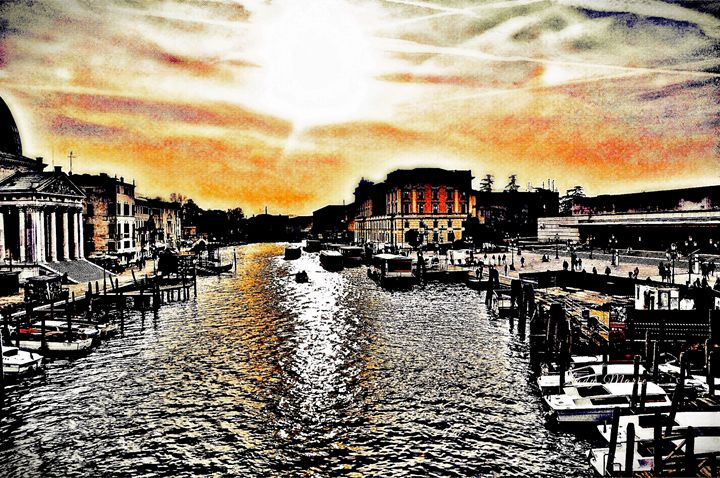 VENICE CANAL - Lady Marie