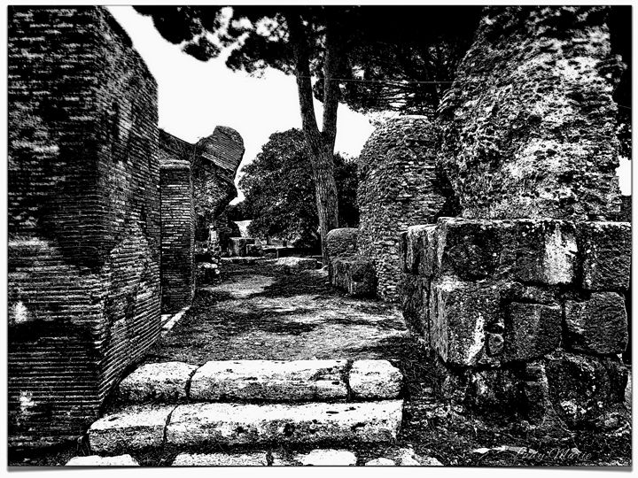 ROMAN ARCHEOLOGICAL SITE IN OSTIA - Lady Marie