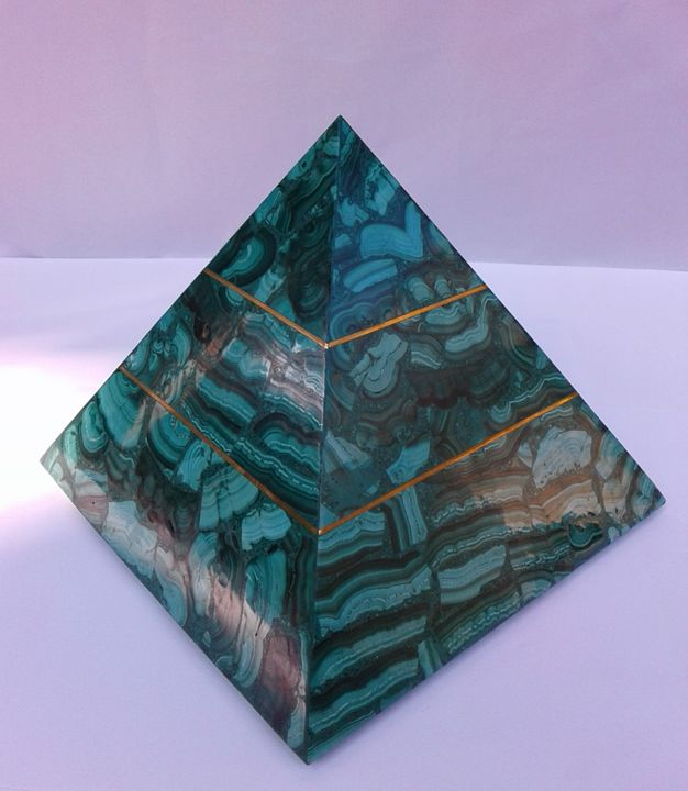 Pyramid in Malachite with Copper - Libanga Art by GPG