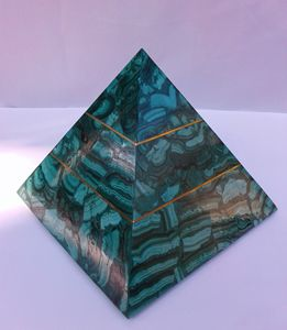Pyramid in Malachite with Copper