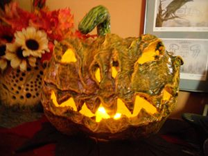 Ghoulie Pumpkin - DryRiver Carvings and Art