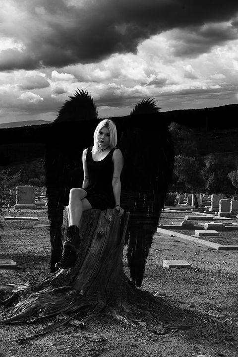 Graveyard Fairy - Sadera Nye