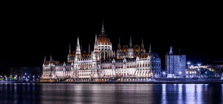 Night in Budapest - Martin Velebil