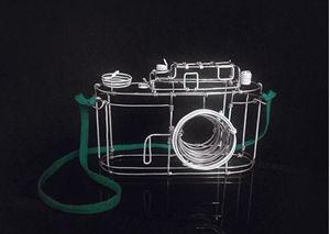 Vintage wire sculpture - Camera - PK