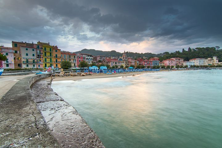 San Terenzo beach. - Photo