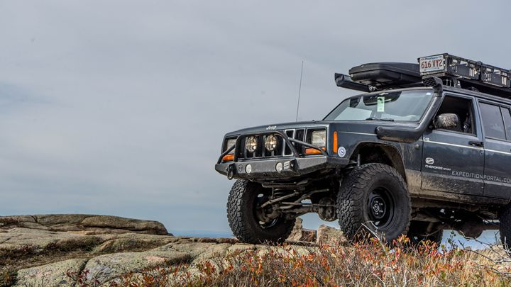 Jeep on Cadillac Mountain - Max Ablicki - Adventure Photography