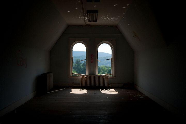 Hudson Valley Asylum - Photadyta