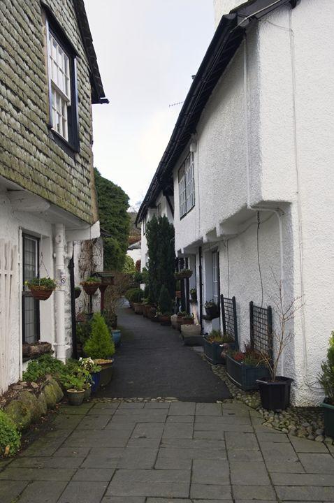 Narrow street in Hawkshead. - Pluffys portfolio
