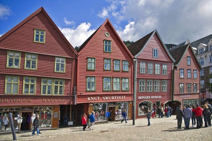 The buildings of Bergen - Pluffys portfolio