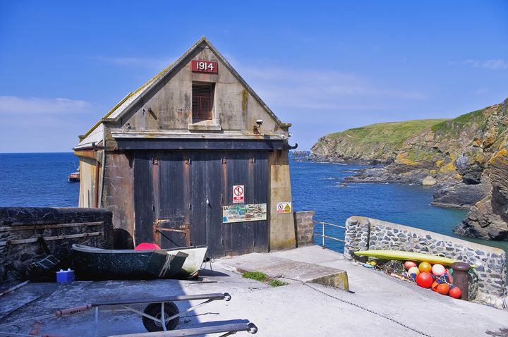 Boats and boathouse - Pluffys portfolio