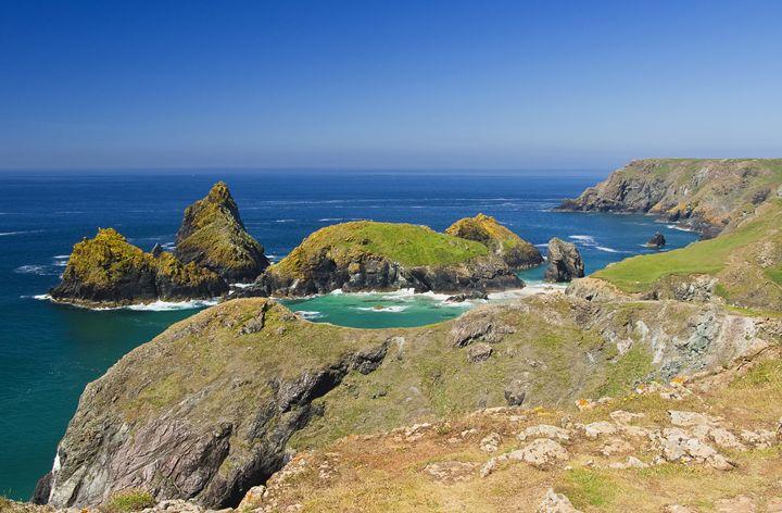 Around the rugged coastline - Pluffys portfolio