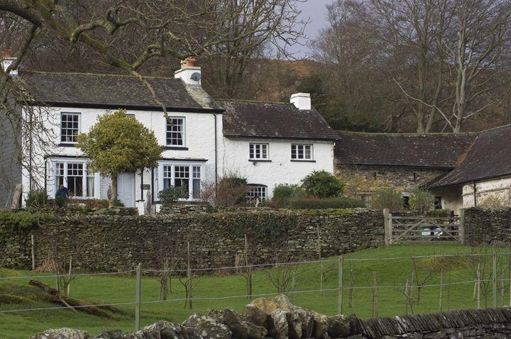 The white cottage - Pluffys portfolio