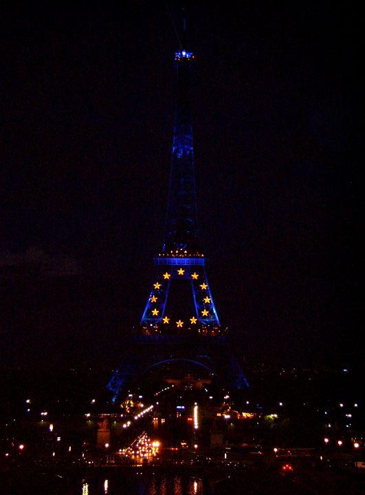 Eiffel At Night - Markell Smith Gallery