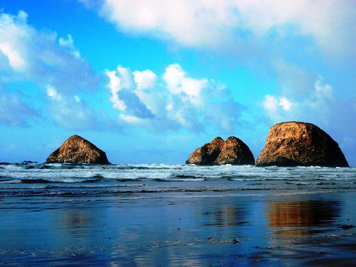 The Ocean Rocks - Markell Smith Gallery