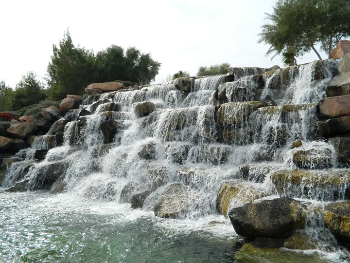 Lake Las Vegas Falls - Markell Smith Gallery