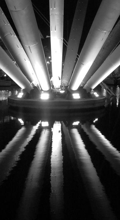 Astroship - Travellin' Light: photography, Monica Melissano