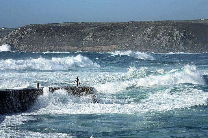 Wild Sea At Sennen Cove Cornwall - Linsey Williams