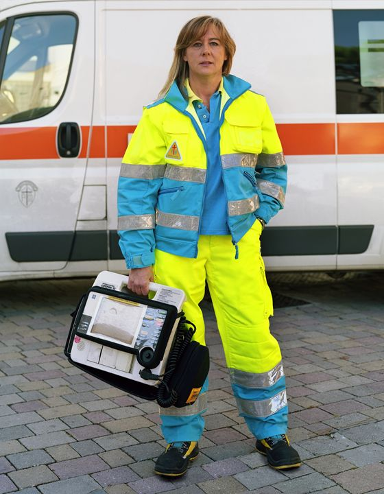 Annalia, Paramedic, Florence, Italy - DeGrand Photography