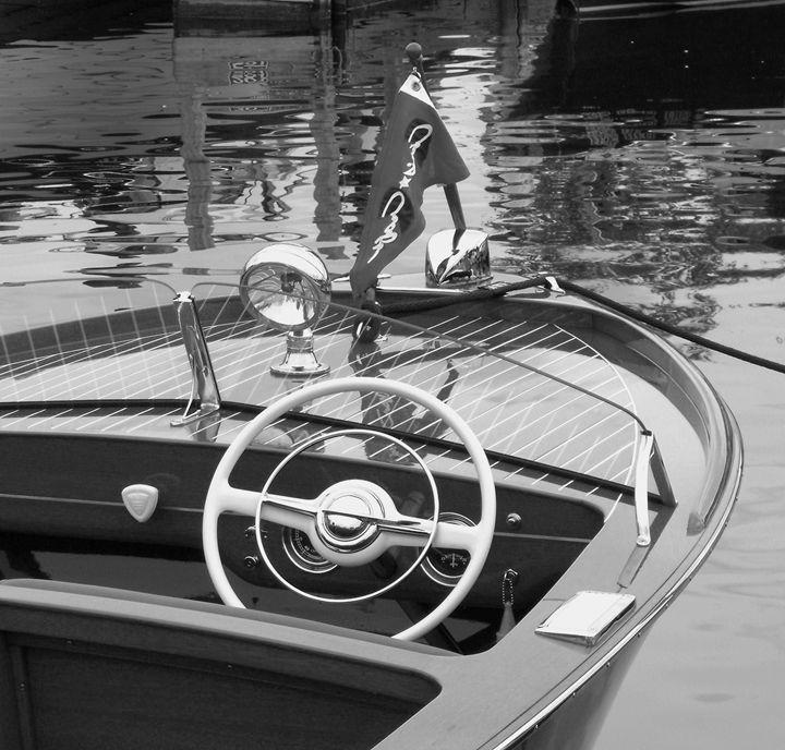 Chri Craft Sportsman - NTZ Automotive and Marine Photography