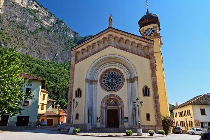 Trentino - Chuch in Mezzacorona - Antonio-S