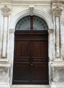 25 Door