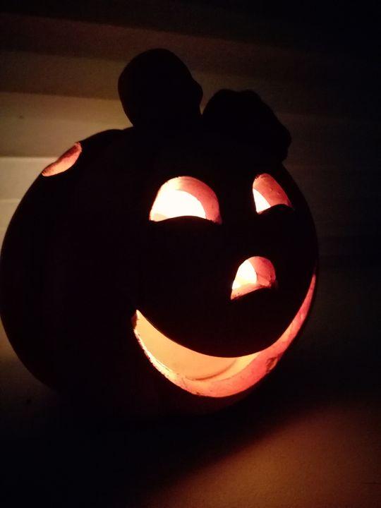 Happy Pumpkin - Ema's Art