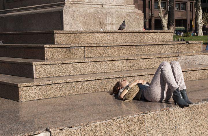 girl taking sun - Norberto Lauria
