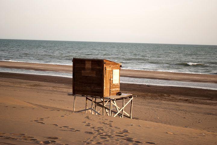 beach refuge - Norberto Lauria