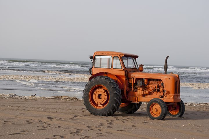 tractor to borders of the sea - Norberto Lauria