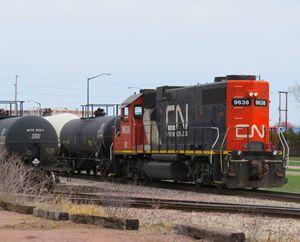 CN leaving the yard