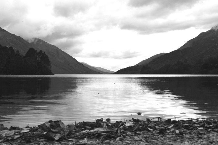 Loch Hogwarts - Danielle Stilwell