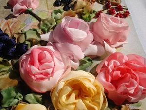 Silk English roses painting