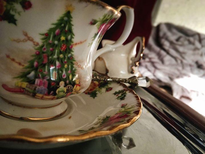 A warm cup of Christmas tea - Jeanné Wynne Herring