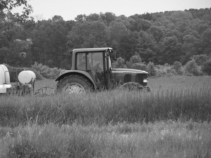 Tractor - KCM Kennels