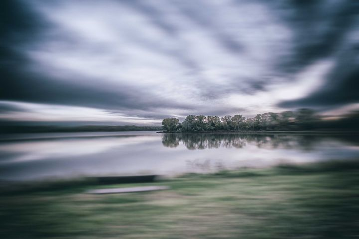 Running by the Water - Theme Less Images